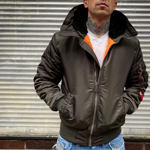 Alpha Industries - MA-1 Hooded Bomberjacke (black olive) ***KICK OUT***